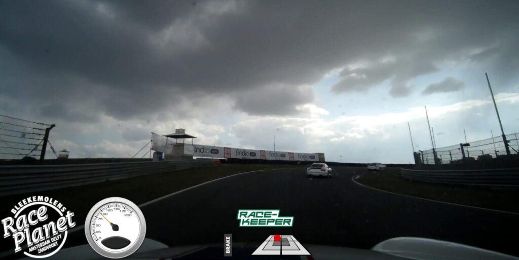 De onboard camera neemt jouw ritten op Circuit Zandvoort op als ultiem aandenken van de Race Experience.